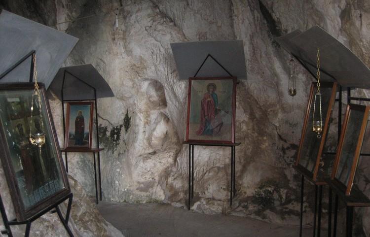 Σπήλαιο Κεφαλαρίου Ναός Ζωοδόχου Πηγής